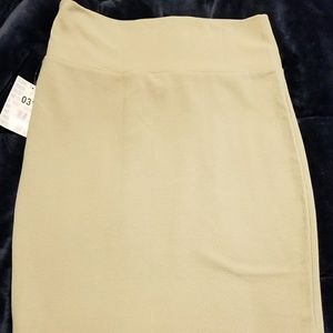 NWT Medium LulaRoe Cassie Skirt-Ivory/Cream
